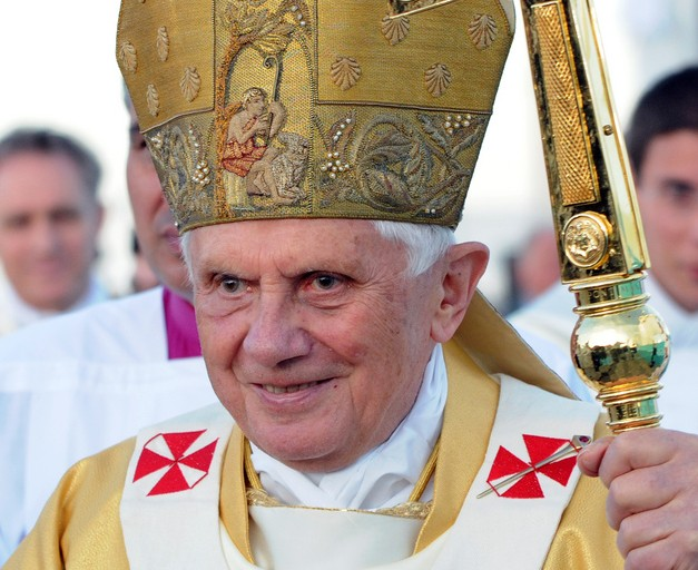 papež Benedikt