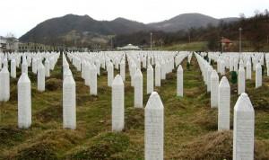 Spomenik žrtvam pokola v Srebrenici. Potočari (vir: Wikipedia)