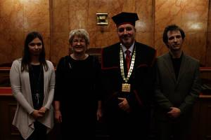 Prof. dr. Branka Javornik (druga z leve) na podelitvi Jesenkovih nagrad 2015
