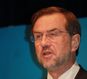 Evropski poslanec Lojze Peterle (foto via Wikipedia)