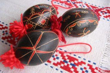 belokranjske pisanke jajca velikonočni ponedeljek