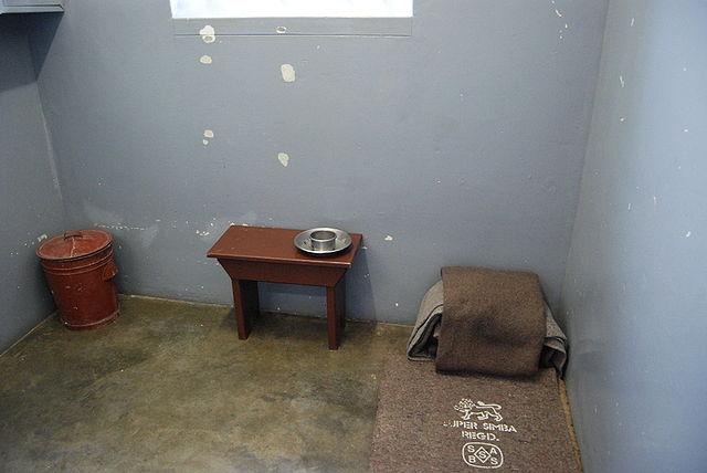 Zaporniška celica Nelsona Mandele na otoku Robben (avtor: Paul Mannix)