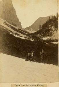 Bohinjska vratca nad dolino Krme, fotograf  Benedikt Lergetporer, okoli 1884-1893
