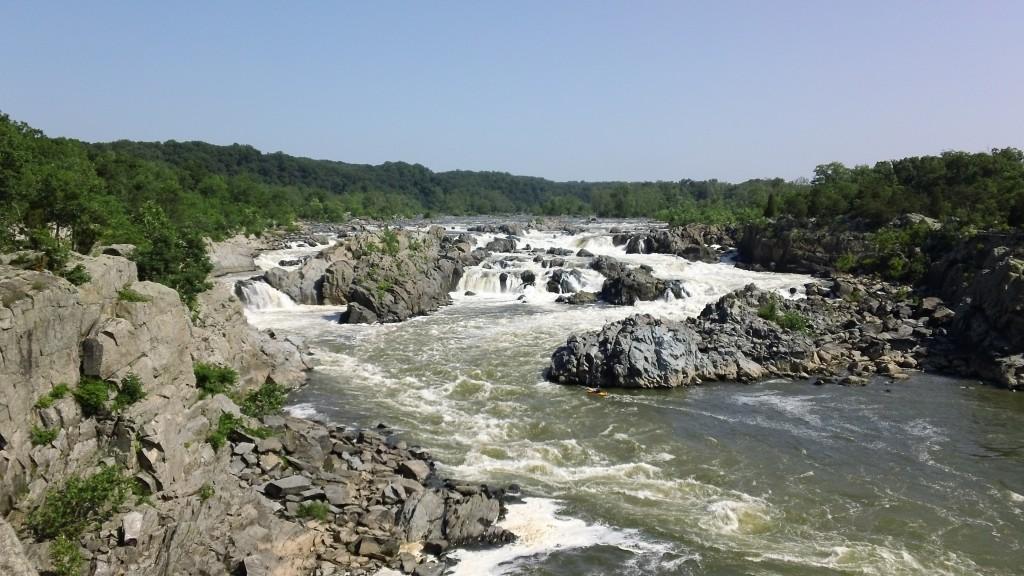 Great Falls, reka Potomac. Bernardova priljubljena izletniška točka (foto via Wikimedia)