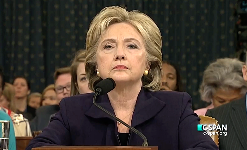 Hillary Clinto na zaslišanju pred kongresniki in kongresnicami (foto via Wikipedia)