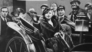 Mae West (foto via Wikipedia)