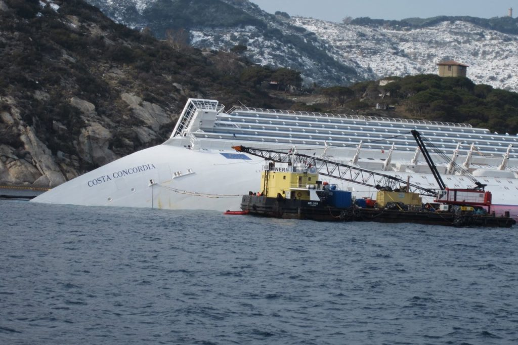 ocean_crane_barge_meloria_alongside_the_grounded_and_partially_capsized_cruise_ship_costa_concordia_-_12_feb-_2012