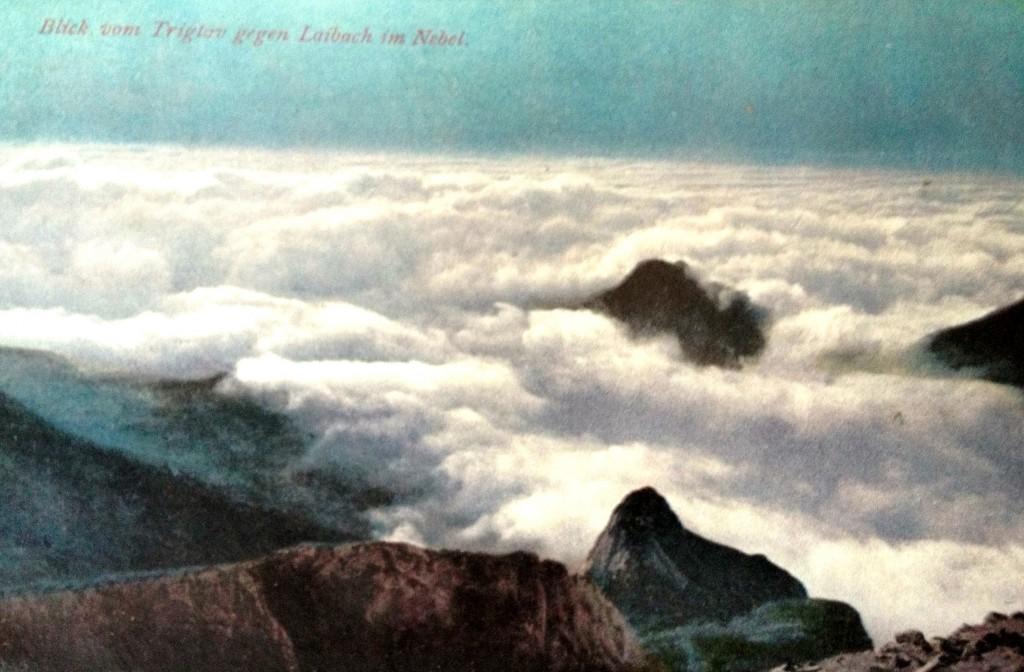 Pogled iz Triglava proti megleni Ljubljani, razglednica, natisnjena 1908
