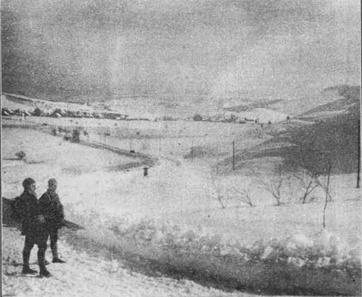 Kunaver: Pogled na Bloke pri Cerknici, rojstni kraj slovenskega smučarstva, ki je tudi med kmetskim ljudstvom jako razvito že od prastarih časov.